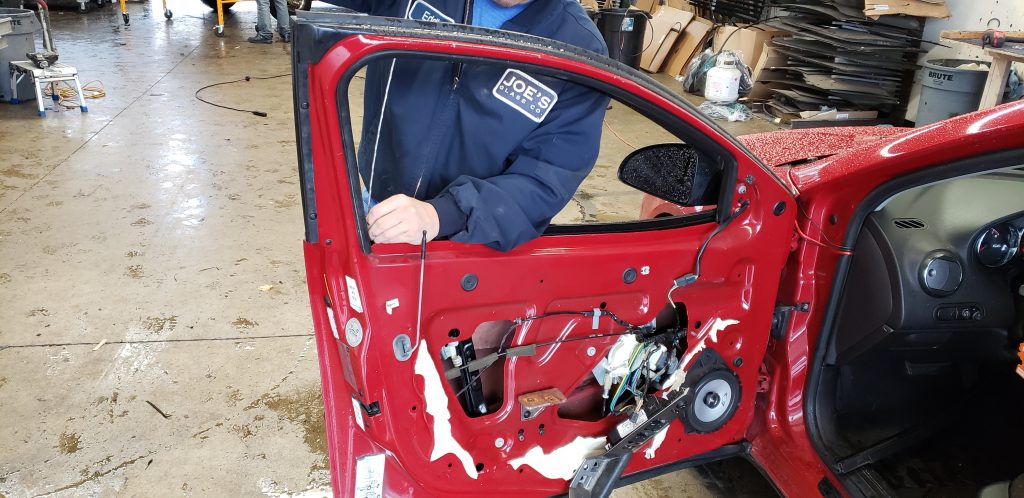 Things to Look For When You Need Auto Door Glass Installation & Repair Service in Redmond