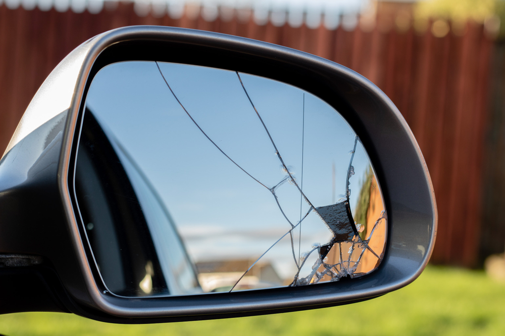 Auto Side Mirror Glass Installation & Repair Service in Mukilteo