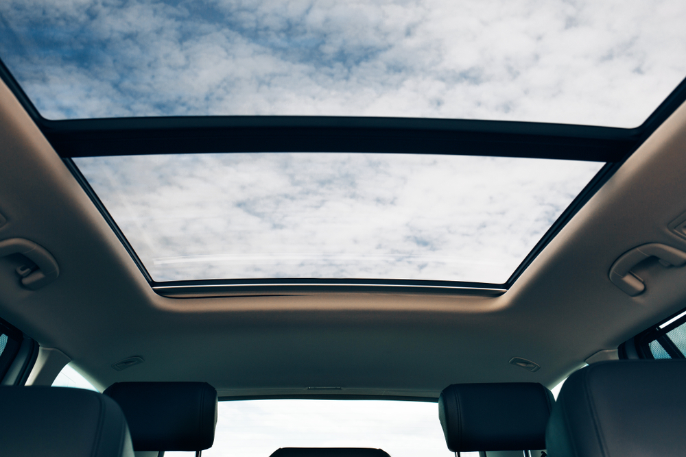 Does Your Auto Roof Glass Need Replacing? We Help Lake Stevens Customers!